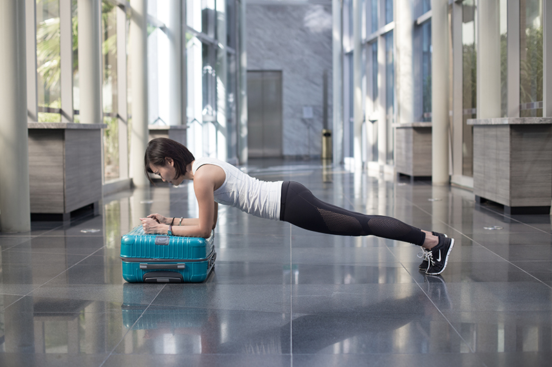 7 Travel-Friendly Exercises You Can Do At The Airport Planks