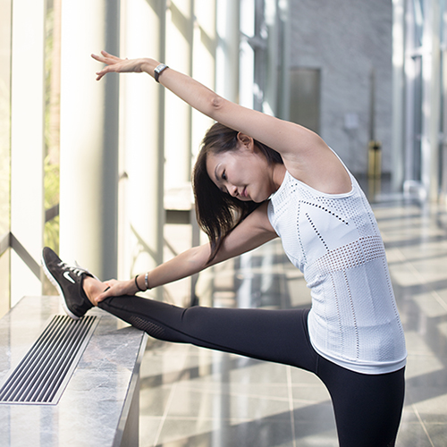 7 Travel-Friendly Exercises You Can Do At The Airport